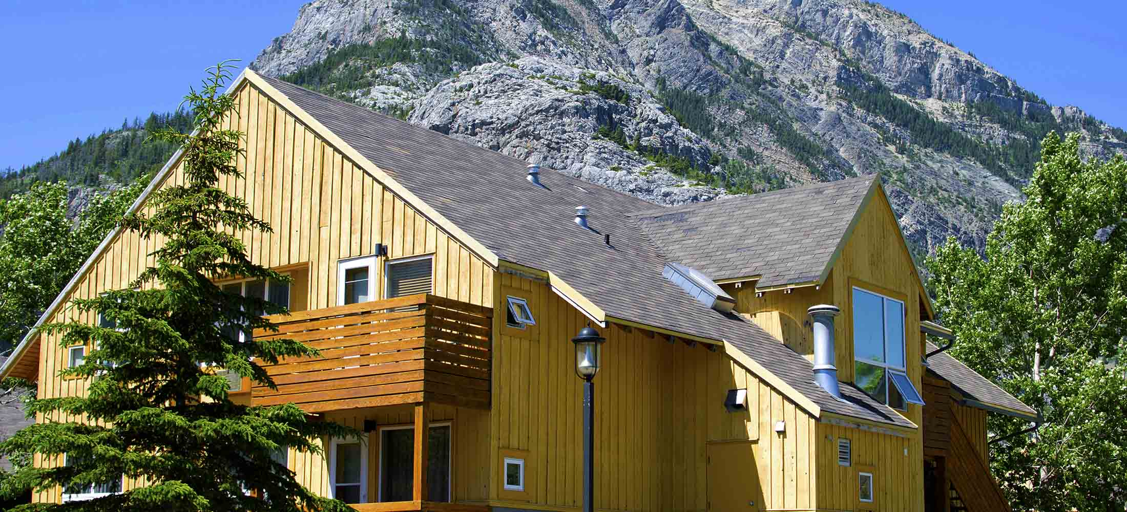 Hotel Rooms To Full Kitchen Apartments Waterton Lakes
